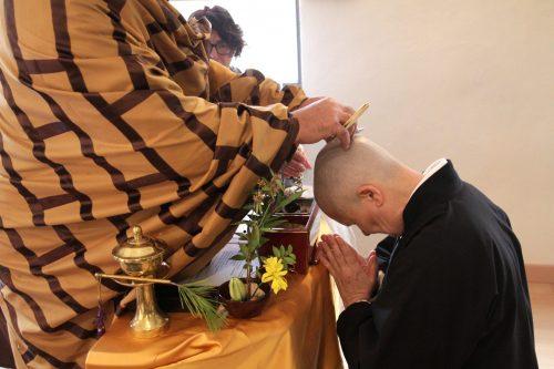 Ordenación de monja nyudo y monja novicia