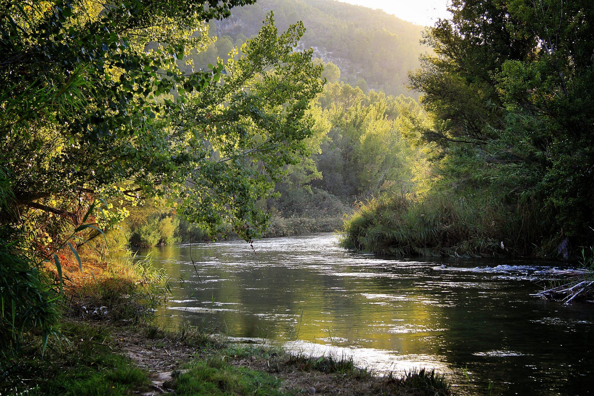 Pintando con luz el río Cabriel