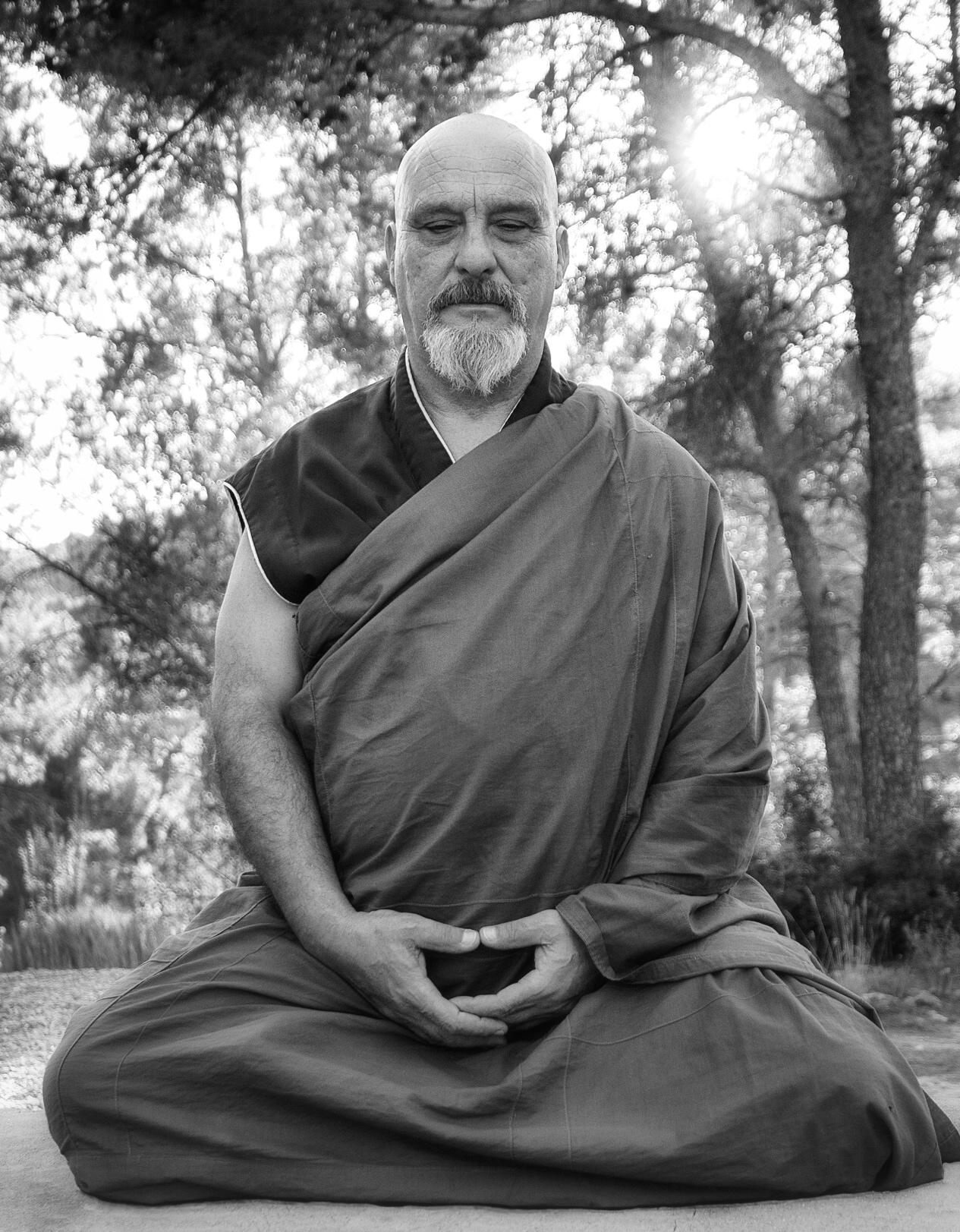 Dokushô Villalba: «Siéntate y siéntete; empieza el gran cambio»